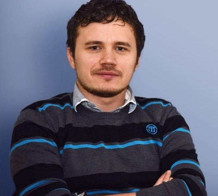 Emil Knezović